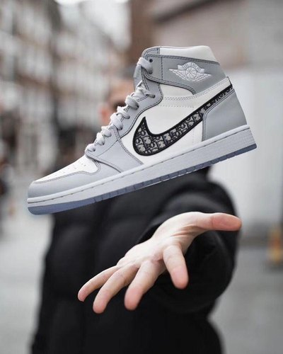 tribu Irónico Alegre  Men Nike Jordan Retro 1 Dior Shoes, Rs 2100 /pair Sanjale Enterprises | ID:  22536698891