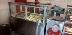 Silver Metal Fish Display Counter, For Commercial