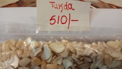 Baked White L WP Tukda Kaju, Packaging Size: 10 kg