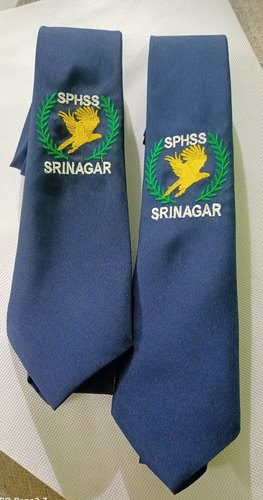 School tie embroidery