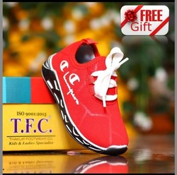 T F C02601 Red sport shoes