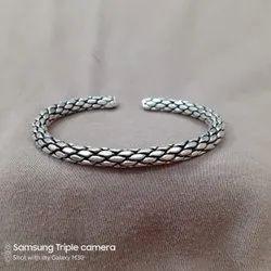 Casual Wear 925 Silver Handmade Cuff Bangle, Size: Free Size
