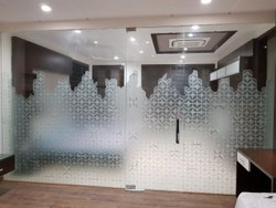 Transparent Designer Toughened Glass Partition, Shape: Flat