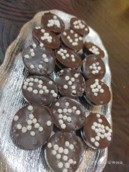 Brown Round Chocolate Crisper