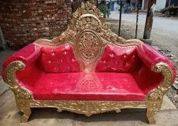 Wooden 3 Seater Wedding Sofa In Golden With Red Color, Living Room