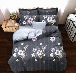 Book fold packing bedsheets in Panipat