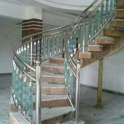 Stainless Steel Glass Pillar, For Construction, Material Grade: 304
