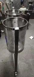 Ss Pole Mounted Liter Bin