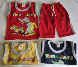 Multicolor Girl & Boy Kids Capri Set Sleeve Less