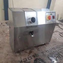 Electric Semi-Automatic Sugarcane Juice Machine, Yield: 150 - 350 ml/kg