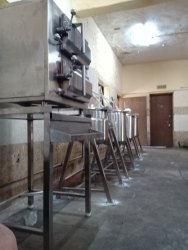KITCHENERA Silver Steam Cooking Vessel, For Restaurant, Size: 25KG