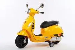 Yellow Kids Scooter, Size: L88xB34xH34, Model Name/Number: 1144 Vespa