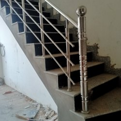 Stairs Silver Stainless Steel Ralling, For Home, Material Grade: 304