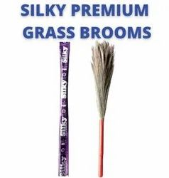 Silky Premium Grass Broom
