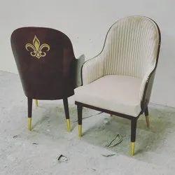 Adhunika Royal Lounge Chair