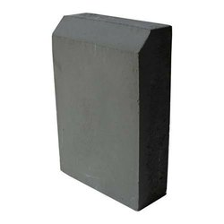 Artificial kerb stone