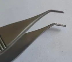 Angled Graft Extraction Forceps, Ellis Instruments Pattern.