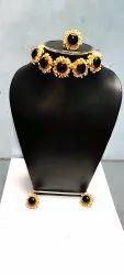 Black onex parl necklace