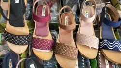wooden sole Flats & Sandals Women Footwear, Size: 37-42