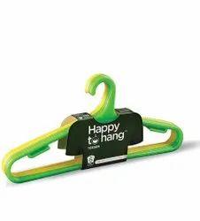Multicolor Regular Plastic Hanger, For Cloth Hanging