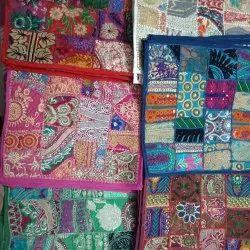 刺绣哈巴迪亚坐垫盖,尺寸:16 * 16英寸
