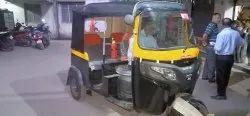 Bajaj  E Rickshaw Black Hood Fitment Testing