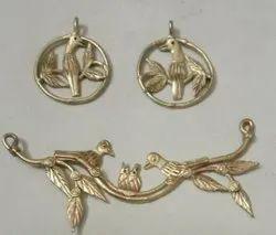 Brass Golden Dokra Pendant, Size: 5