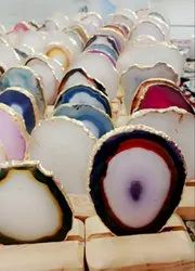 Agate plate with wooden stand