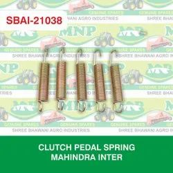CLUTCH PEDAL SPRING MAHINDRA INTER