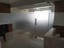 Single Color Toughened Glass, Size: 10-50 Square Feet, Shape: Flat