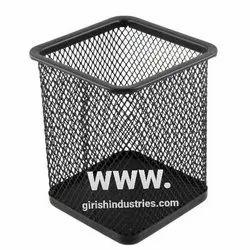 Metal mesh dustbin