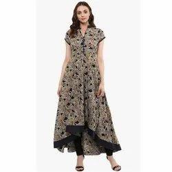 Crepe Ladies Trendy Half Sleeves Printed Kurti, Size: S-XXL