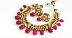 Traditional Golden Necklace Set, Weight: 80 g