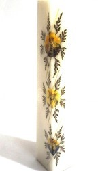 Shree Candles White Tapper Candle With Natural Petals And Flowers