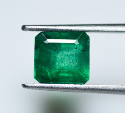 Natural Emerald Certified  2.15 Ct  Oil Only