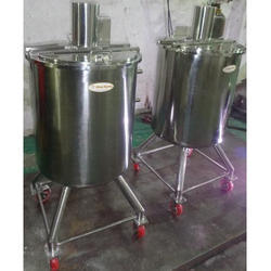 Solution Mixing Vessel