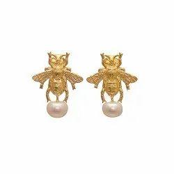 Butterfly Pearl Stud Earring