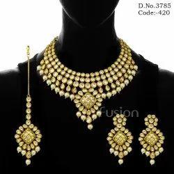 Female Contemporary Designer Kundan Necklace Set