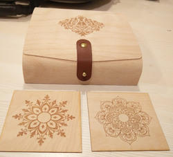 Flexible veneer and wood packaging box