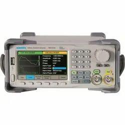 SMG1032X 30 MHz Arbitrary Function Generators