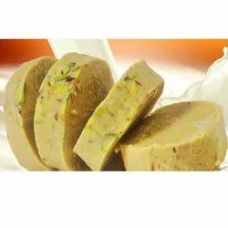 Kesar Pista Ice Cream, Packaging: Packet & Box