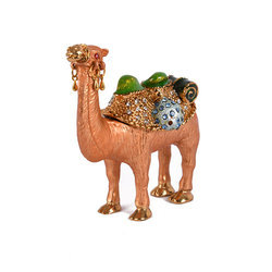 Rawsome Shack Metal Showpiece Camel