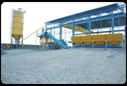 Self Loading Concrete Batching Plant