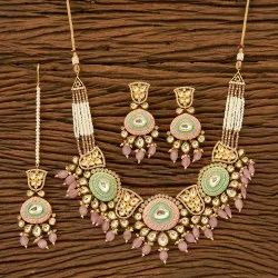 Brass & Copper Kundan Classic Necklace Set with Gold Plating 350095