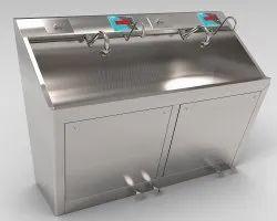 2 Bay Tapper Scrub Sink