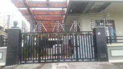 Residential Solar Power Fence