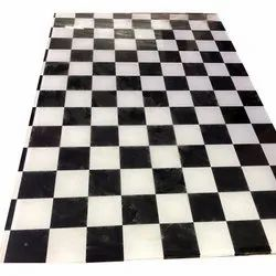 Black and White Glossy Crystal Mosaic Glass, Size: 8 X 4 Feet