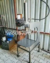 Hydraulic machine HEAVY DUTY, Capacity: 2 Ton