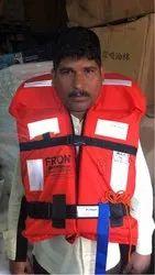救生衣海上巡逻
