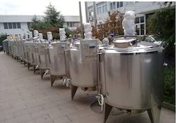 Stainless Steel Tank With Agitator